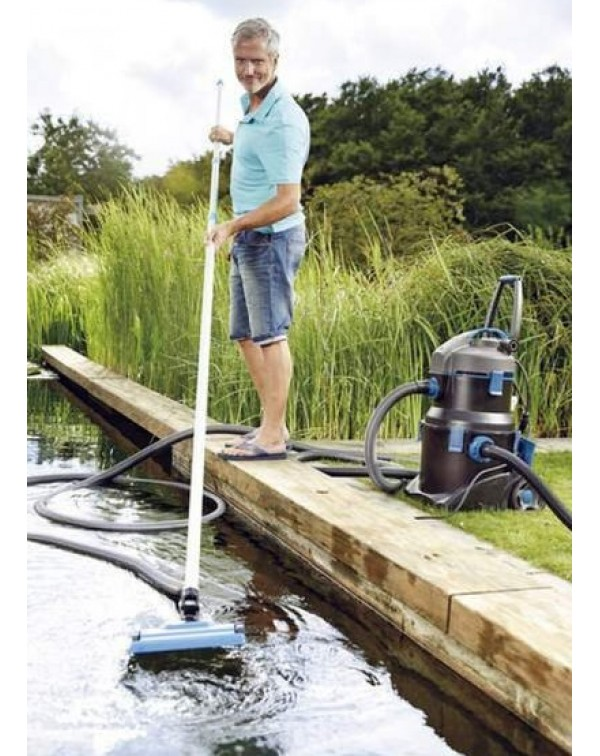 The floating hose for the Oase PondoVac 5 pond cleaner